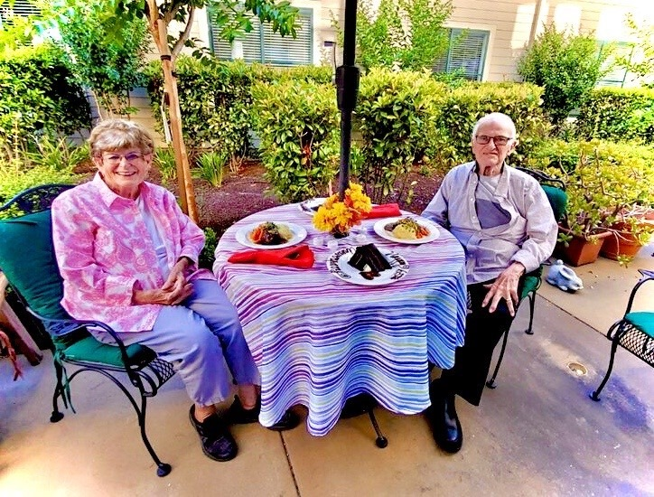 residents dining outside